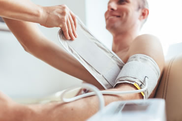 Holter monitoring of blood pressure